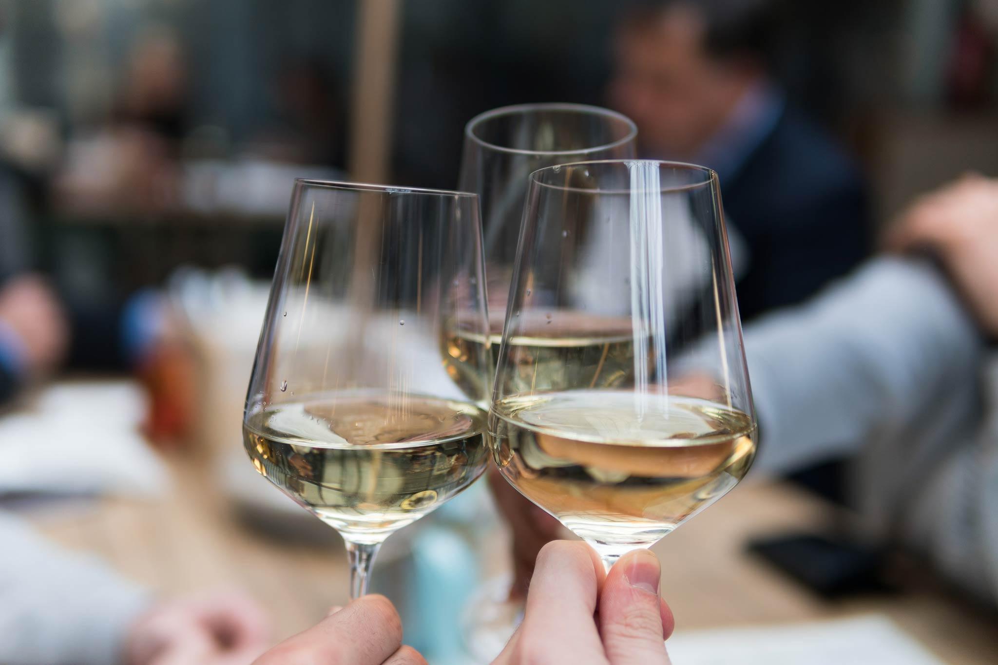 Cafe Walker Ueberlingen Bodensee Wein 03 Unsplash